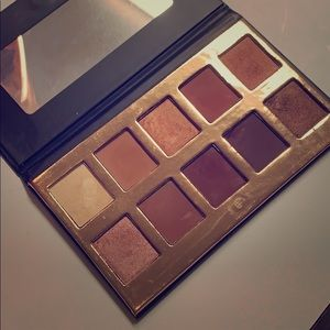 Crown Warm pallet swatched